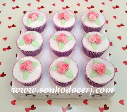 Cupcakes Trio de Rosinhas com detalhes em glacê! (E)