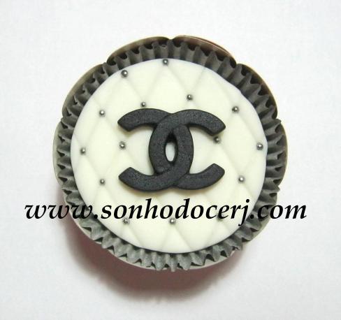 Blog_Cupcake_Chanel_Logo_ 016[2]