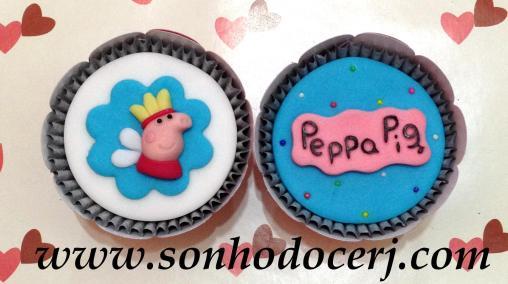 Blog_Cupcakes_Peppa_Logo_Fada_5974[2]