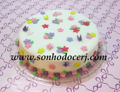 Bolo Jardim Encantado (Flores e Borboletas coloridas) (Cód: B171)