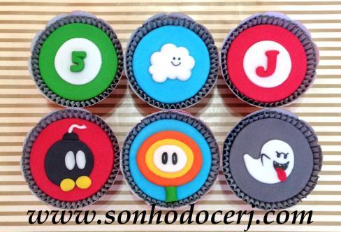 Blog_Cupcakes_MarioBros_3380[2]