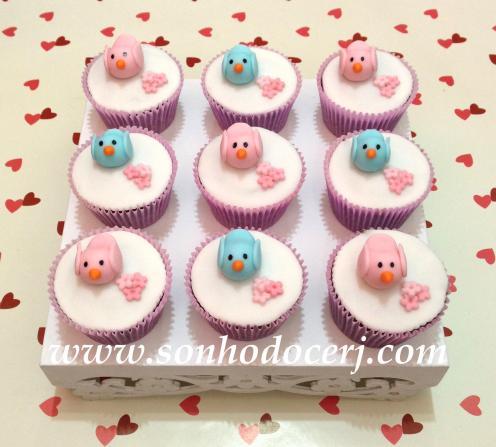Cupcake Passarinhos 3D com flores! (E)