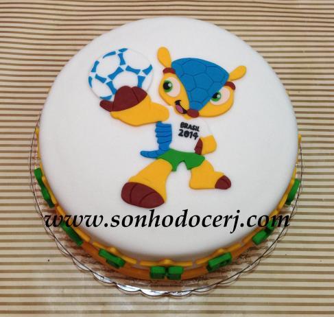 Bolo Copa do Mundo! Fuleco! (Todo recortado minuciosamente com bisturi em açúcar!) (Cód: B162)