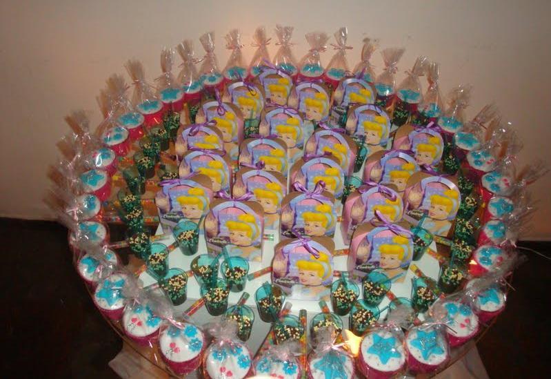 Bolo da Cinderela e Cupcakes (3/6)