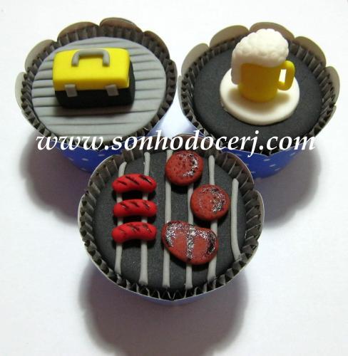 Cupcakes - Maleta de Ferramentas (C), Caneca de Chopp (C), Churrasqueira (D)