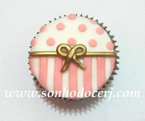 Cupcake laço com poás e listras! (C)