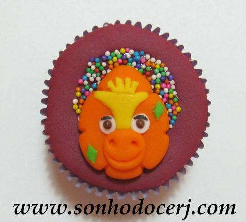 Blog_Cupcake_Barney_Riff_ 039[2]