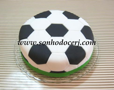 "Bolo ""Bola de Futebol""!"
