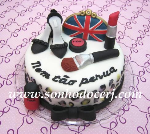 """Bolo bolsa, sapato e maquiagem feito para comemorar o aniversário do blog """"Nem Tão Perua""""!! www.nemtaoperua.com"""