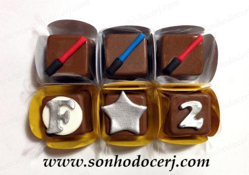 Bombons Modelados Star Wars! Sabre de luz (3), Letra com fundo redondo (3), Estrela (2), Número (2)