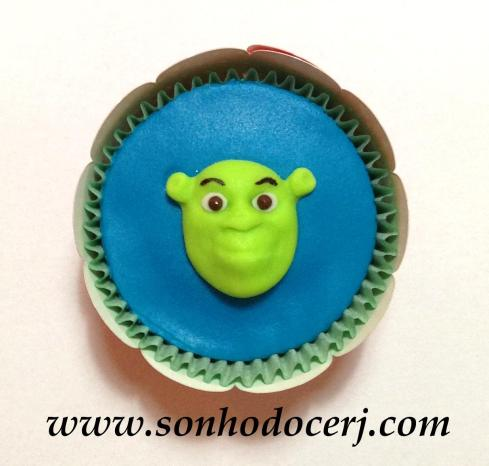 Blog_Cupcake_Shrek_0703[2]