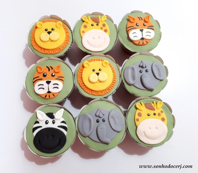 Blog_Cupcakes_safari_100226[2]