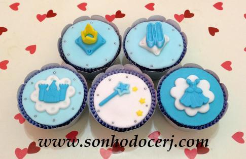 Cupcakes nas cores da Cinderela! :-)