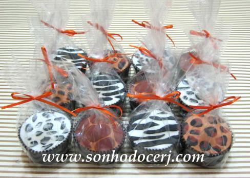 Cupcakes com estampas de bichos (Oncinha Preto e Branco, Girafa, Zebra e Oncinha Tradicional)!! (B)