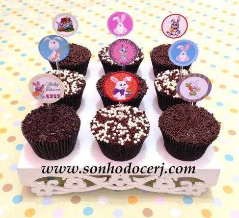 Cupcakes de Páscoa decorados com confeitos e toppers!! :-) (Personalizamos a arte do topper para você)