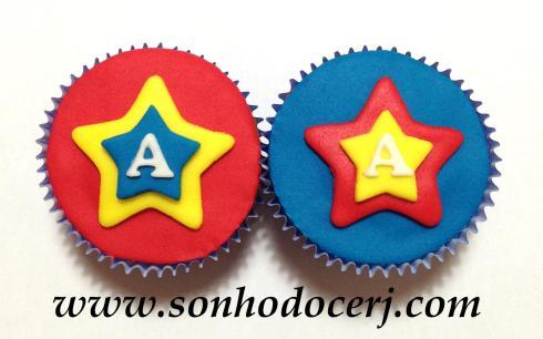 Cupcake Estrela sobreposta com letra! (C)