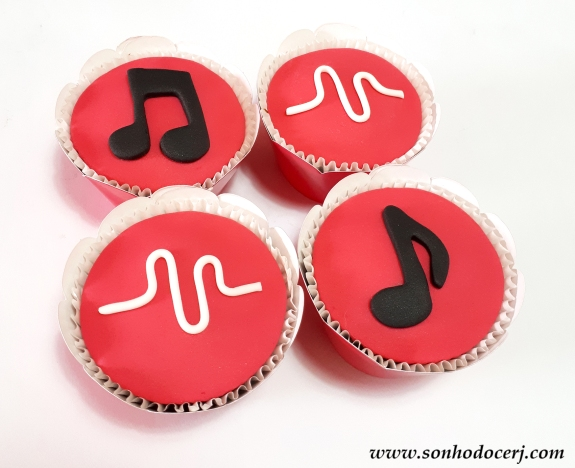 Blog_Cupcakes_Musically_091354[2]