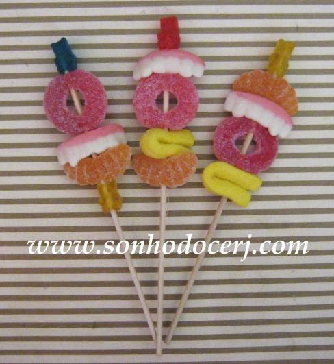 Balinhas de gelatina no palito!!