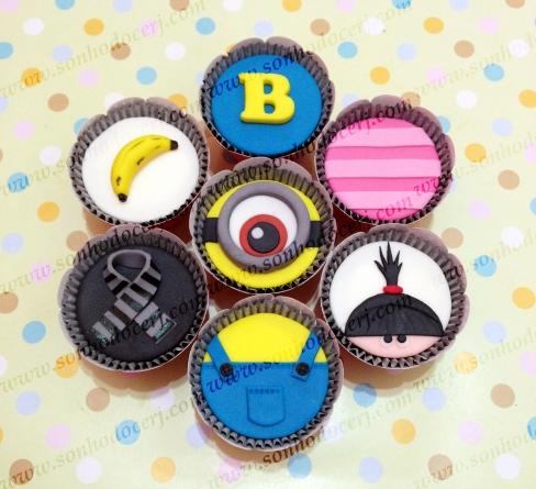 Cupcakes Minions! Banana (), Letra (), Listras (), Olho Minion (), Cachecol (), Roupa Minion (), Carinha menina ()