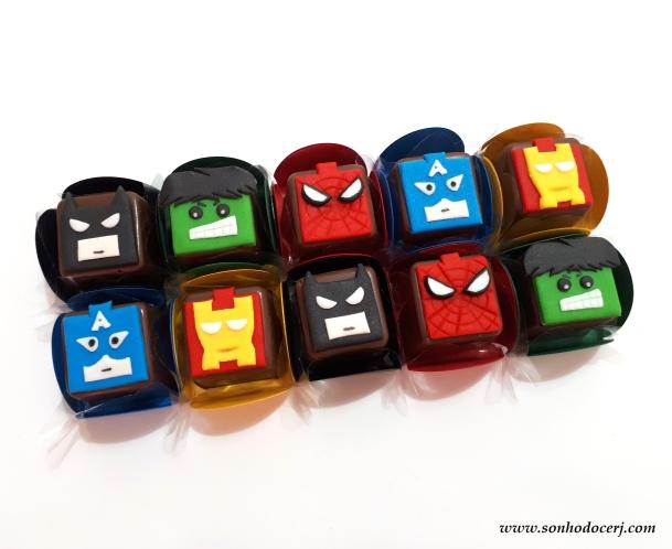 Blog_Bombom modelado_Lego heróis_112645[2]