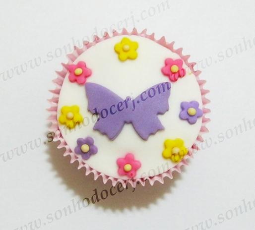 Cupcake Silhueta borboleta com flores! (C)