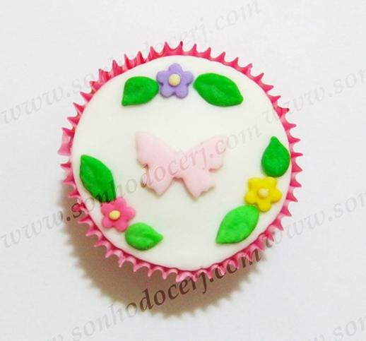 Cupcake Silhueta borboleta com flores e folhas! (C)