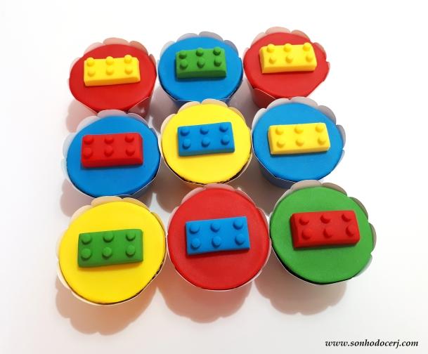 Blog_Cupcakes_Lego_113840[2]