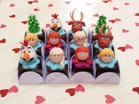 Bombons Modelados Frozen! Olaf 3D (8), Elsa 3D (8),Anna 3D (8), Kristoff 3D (7), Alce Sven 3D (8), Pinheiro 3D (4)