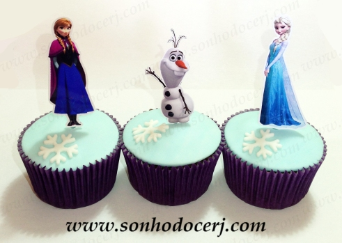 Blog_Cupcakes_Frozen_5289[2]