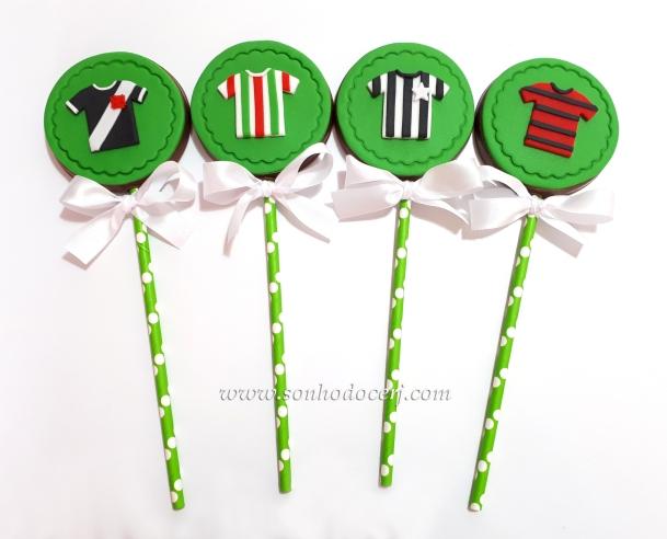 Blog_Pirulito chocolate_Futebol_122025[2]