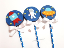 """Pirulitos de chocolate """"Espaço / Astronauta""""! Foguete estilizado (9,00), Estronauta (7,00), Nave espacial (9,00)"""