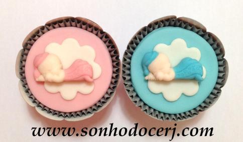 Cupcake bebê dormindo com dedo na boca! (D)