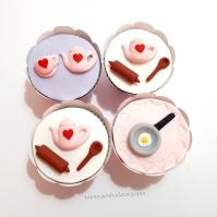 """Cupcakes """"Chá de Panela""""! Bule, rolo de macarrão e colher (9,00), Frigideira (8,00), Bule e Xícara (7,00)"""