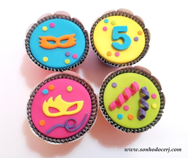 Blog_Cupcake_Carnaval_165210[2]