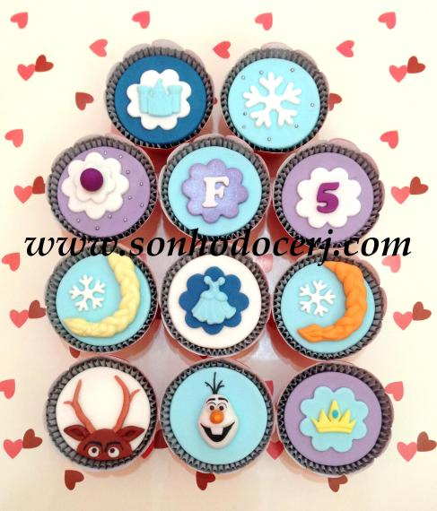 Blog_Cupcakes_Frozen_4671[2]