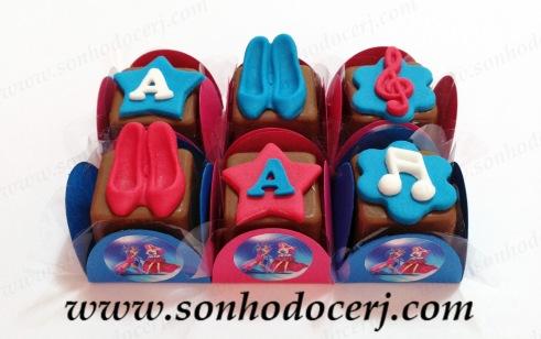 Blog_BombomModelado_Barbie_Música_Discoteca_Barbie rockn royals_5912[2]