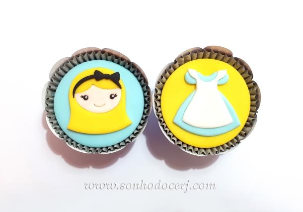 Blog_Cupcakes_Alice no país das maravilhas_105031[2]