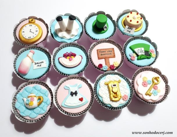 Blog_Cupcakes_Alice no país das maravilhas_173126[2]