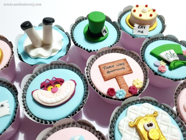 Blog_Cupcakes_Alice no país das maravilhas_173802[2]