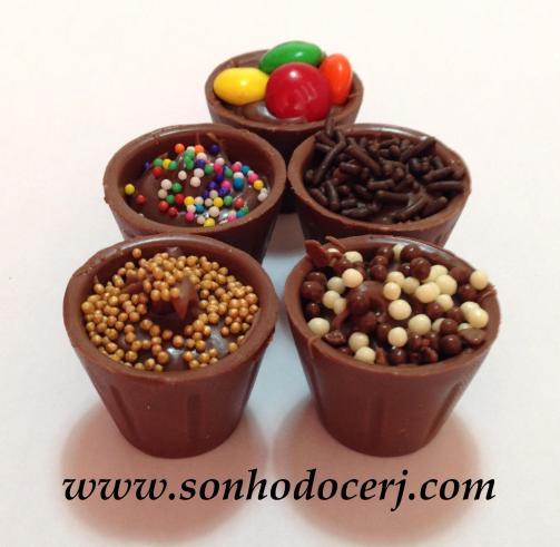 Copinho de chocolate recheado com brigadeiro artesanal!!
