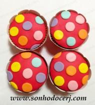 blog_cupcake_bolinhas-coloridas_24852