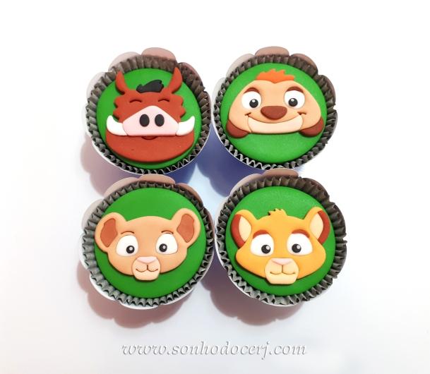 Blog_Cupcakes_rei leão_105733[2]