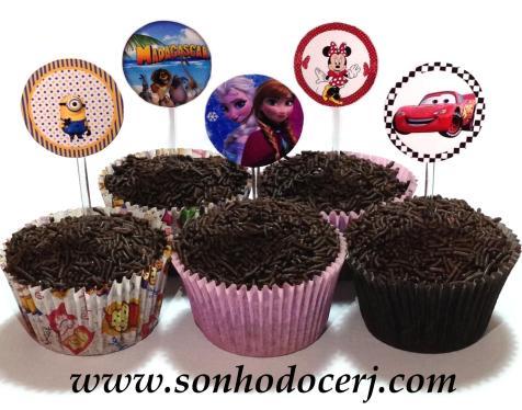 Cupcakes com toppers personalizados no tema da sua festa!! Nome e idade podem ser acrescentados!