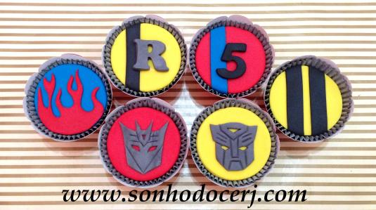 Blog_Cupcakes_Transformers_8374[2]