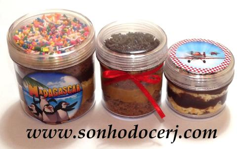 Bolo no potinho em 3 tamanhos e com diferentes possibilidades de decoração e personalização!!