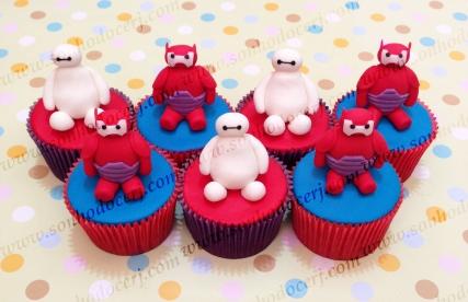 Cupcakes Big Hero 6 / Baymax 3D! Baymax branco 3D (i) / Baymax vermelho 3D (i)