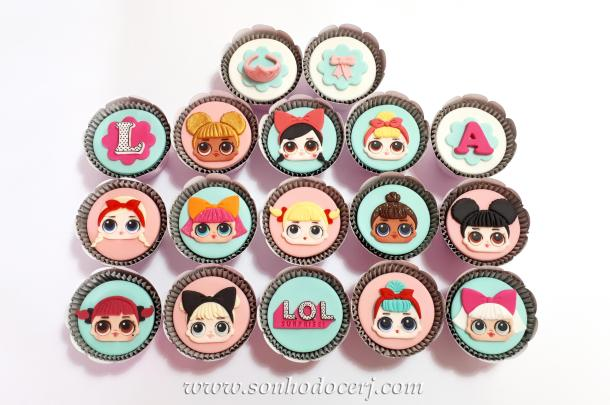 Blog_Cupcakes_LOL surprise_140650[2]