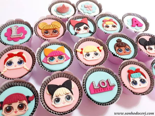 Blog_Cupcakes_LOL surprise_141736[2]