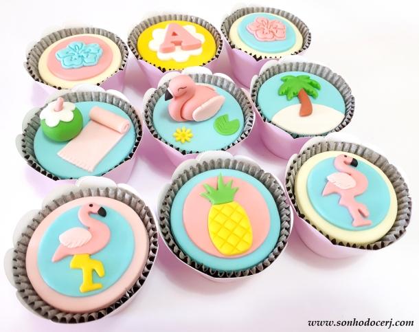 Blog_Cupcakes_flamingo_111818[2]