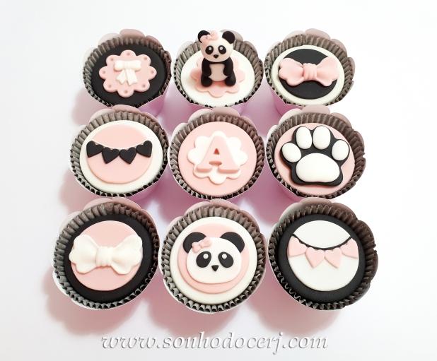 Blog_Cupcakes_Panda_112604[2]